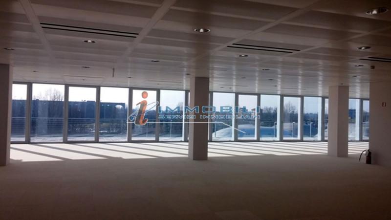 Ufficio / Studio in affitto a Segrate, 4 locali, prezzo € 41.438 | PortaleAgenzieImmobiliari.it