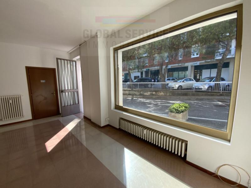 Negozio / Locale in affitto a Bedizzole, 9999 locali, zona Località: Bedizzole - Centro, prezzo € 400 | PortaleAgenzieImmobiliari.it