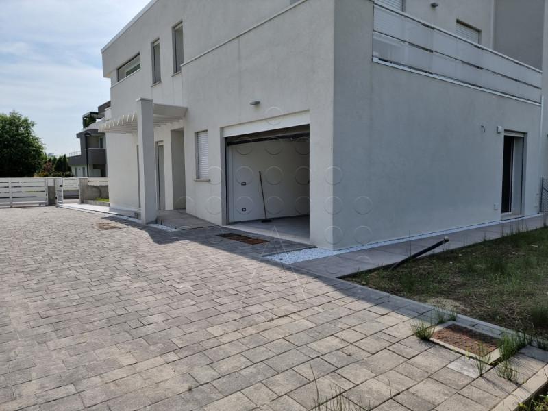 Bifamiliare in vendita a Abano Terme