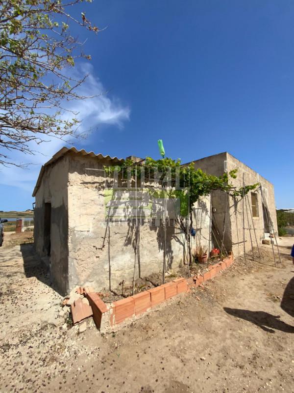 Rustico / Casale in vendita a Portopalo di Capo Passero, 9999 locali, zona Località: Portopalo di Capo Passero, prezzo € 150.000   CambioCasa.it