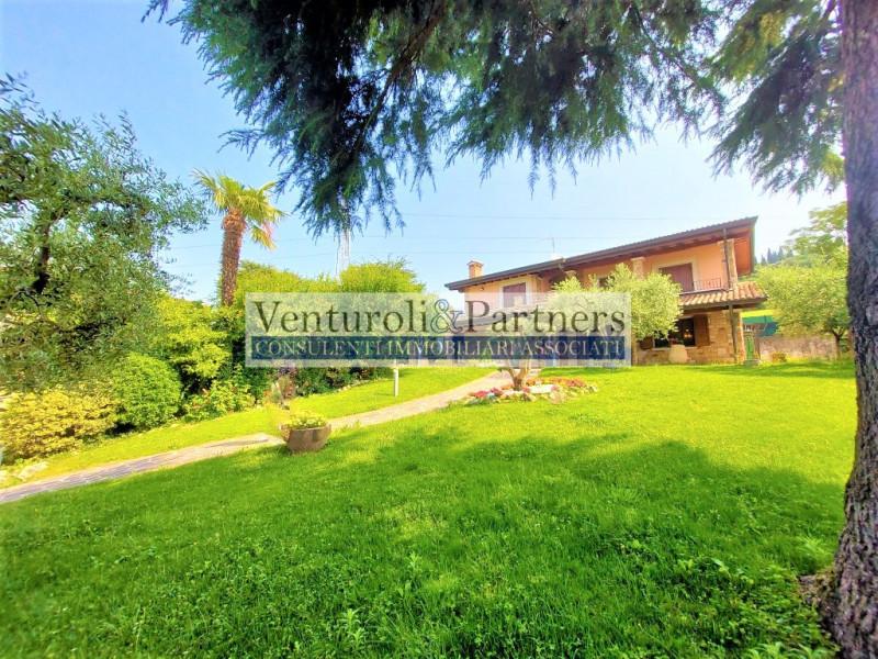 Villa in vendita a Castiglione delle Stiviere, 6 locali, Trattative riservate | CambioCasa.it