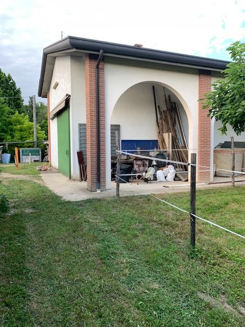 V16 Annesso Agricolo con terreno in vendita ad Abano Terme https://images.gestionaleimmobiliare.it/foto/annunci/210619/2668061/1280x1280/004__img_4700.jpg