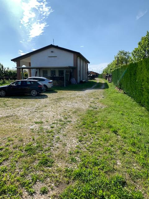V16 Annesso Agricolo con terreno in vendita ad Abano Terme https://images.gestionaleimmobiliare.it/foto/annunci/210619/2668061/1280x1280/007__img_4385.jpg