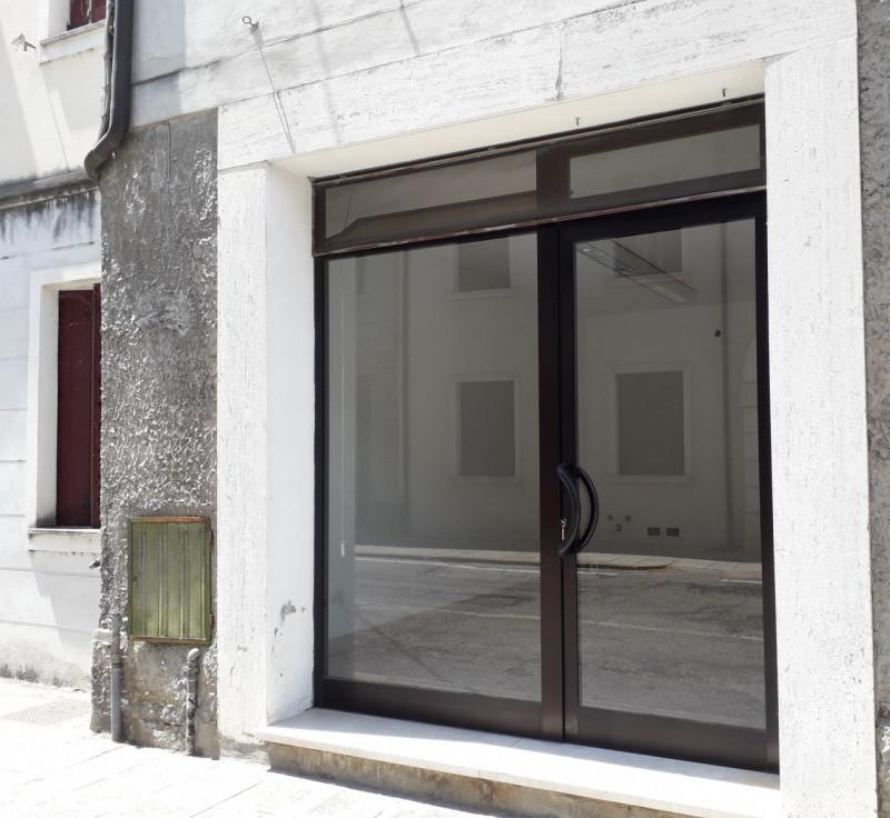 Negozio / Locale in vendita a Badia Polesine, 9999 locali, zona Località: Badia Polesine - Centro, prezzo € 33.000 | CambioCasa.it