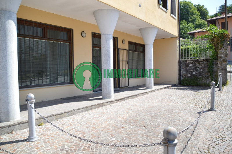 Immobile Commerciale in vendita a Tricesimo, 9999 locali, zona Località: Tricesimo - Centro, prezzo € 105.000 | CambioCasa.it