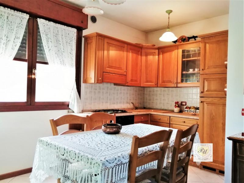 Appartamento in vendita a Ospedaletto Euganeo, 4 locali, zona Località: Ospedaletto Euganeo - Centro, prezzo € 130.000   CambioCasa.it