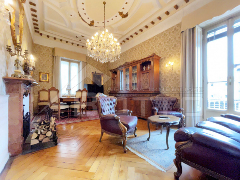 Flat for sale in Borgosesia, with garden and swimming pool